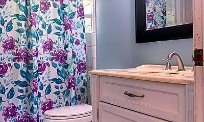 Bathroom, 17 Olive St, 2