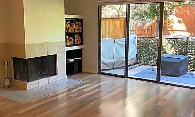 Living Room, 2900 Eastshore Dr., 0