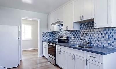 Kitchen, 1235 Parkington Ave, 1