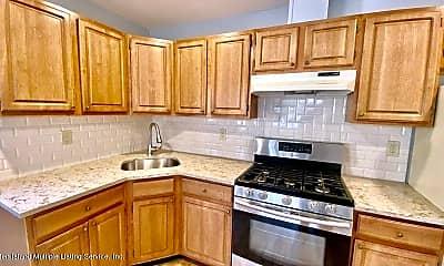 Kitchen, 3862 Hylan Blvd, 1