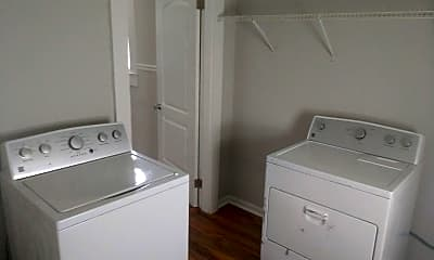 Bathroom, 920 Elm St, 2
