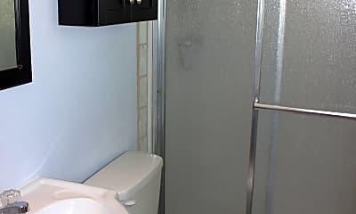 Bathroom, 653 Dexter Street, 2