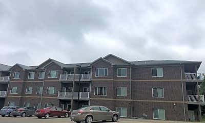 Cedar River Bluffs Apartments, 2
