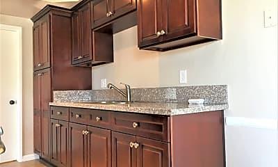 Kitchen, 1423 W 7th St, 1