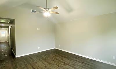 Living Room, 705 S Binkley St, 1