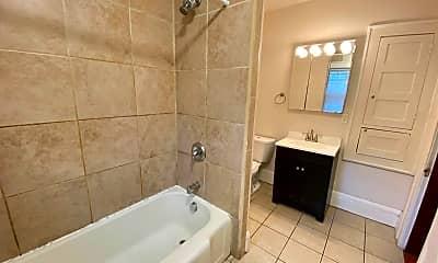 Bathroom, 2250 Indianola Ave, 2