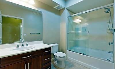 Bathroom, 1101 S Main St 303, 2