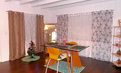 Dining Room, 817 Winters St, 1