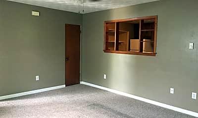 Bedroom, 104 N Pecan St, 1