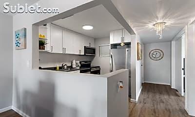 Kitchen, 1150 Collins Ave, 2