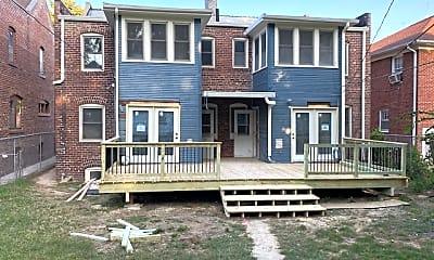 Building, 116 N 38th St, 2