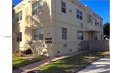 Building, 319 Tyler St 4, 1