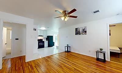 Living Room, Room for Rent - Houston PadSplit 0.3 miles to bus, 0