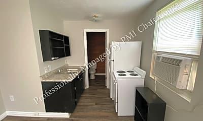 604 N Moore Rd, 1