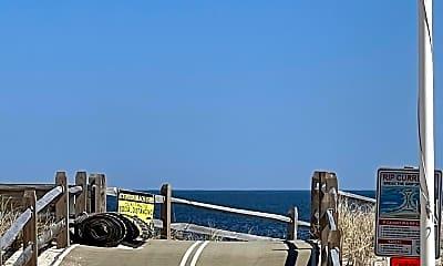 11 E Beach Way, 1