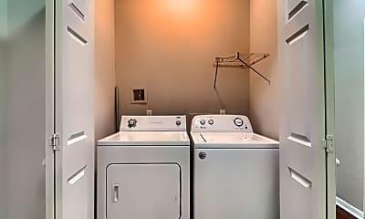 Bathroom, 702 Franklin Blvd, 2