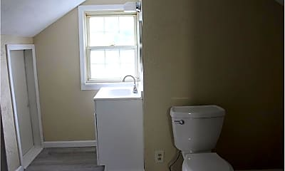 Bathroom, 180 W Church St, 2