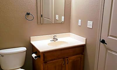 Bathroom, 511 Grainfield St, 2