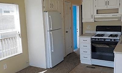 Kitchen, 1012 Edgerton Dr, 2
