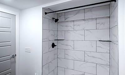 Bathroom, 531 E Maple St, 2