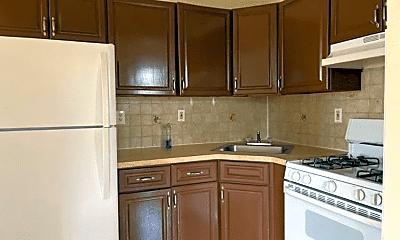 Kitchen, 977 Crescent St, 0