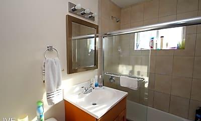 Bathroom, 143 1/2 S Main St, 1