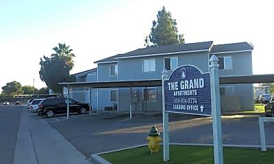 Grand Apartments, 0