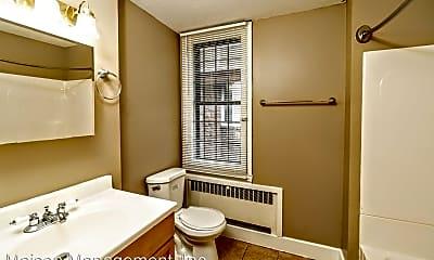 Bathroom, 595 University Ave, 2