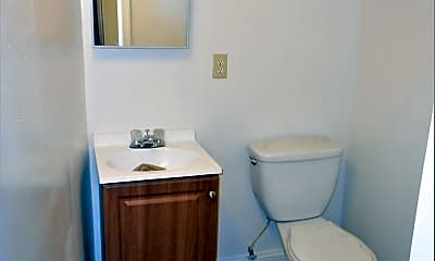 Bathroom, 3209 Guilford Ave, 2