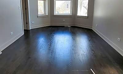 Living Room, 822 S Karlov Ave, 1