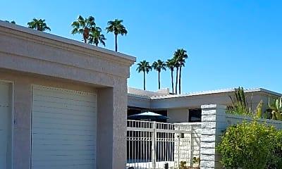 Building, 68095 Seven Oaks Pl, 0
