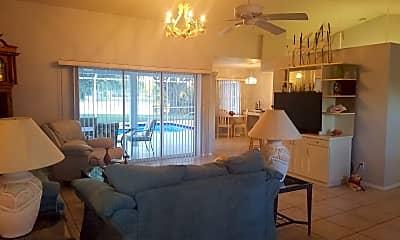 Living Room, 4695 Blueridge St, 1