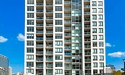 Building, 752 N Hudson Ave, 2