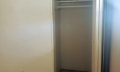 Bathroom, 4356 E 15th St, 2