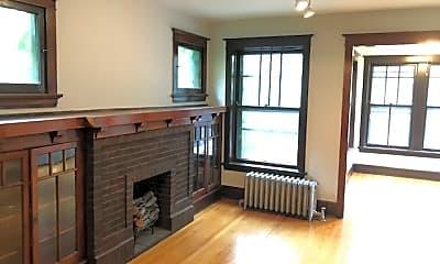 Bedroom, 1302 W Addison St 2, 1
