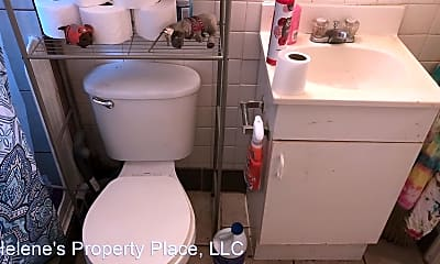 Bathroom, 205 NE Whitman St, 2