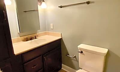 Bathroom, 206 Yardley Commons, 2