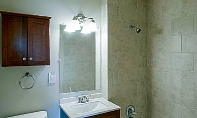 Bathroom, Hilltop Park Apts, 2