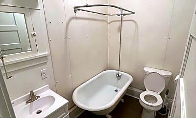 Bathroom, 601 E 1st St, 2