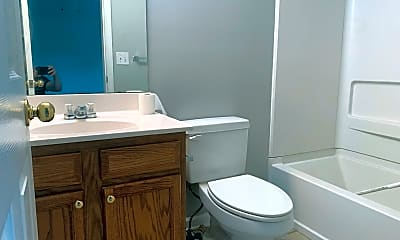 Bathroom, 1813 Ellison Pl, 2