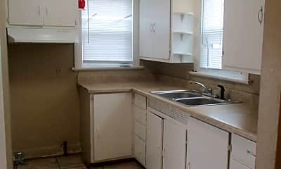 Kitchen, 419 McKinnie Ave, 1