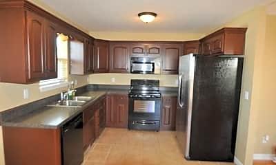 Kitchen, 580 Heritage Rd, 1