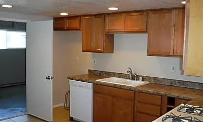 Kitchen, 206 Detroit Ave, 1