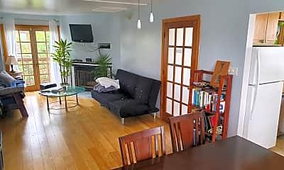 Living Room, 3110 Highland Ave, 0