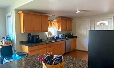 Kitchen, 55 Beach St, 2
