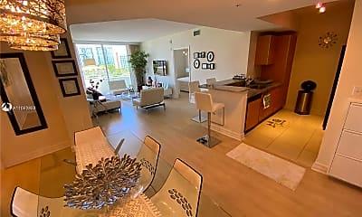 Living Room, 2775 NE 187th St 517, 0