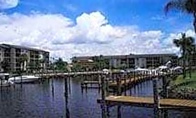 Bay Pointe Yacht And Racquet Club, 2