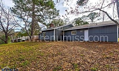 Building, 336 Maywood Cir, 2