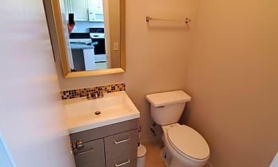 Bathroom, 2984 SE Bonita St, 2