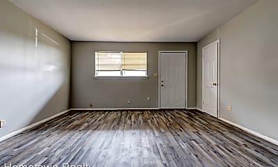 Living Room, 131 SE 42nd St, 1